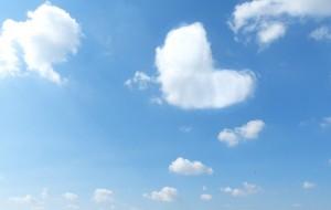 ハート型の雲を見つけて、待ち受けにすると恋が叶う