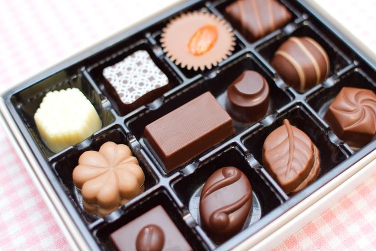 箱詰めチョコレートで憎悪を愛に変えるおまじない:彼の怒りをなくすおまじない