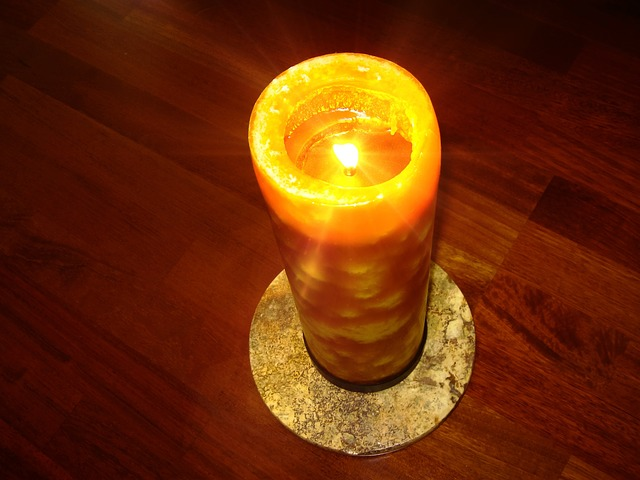 candle-52340_640