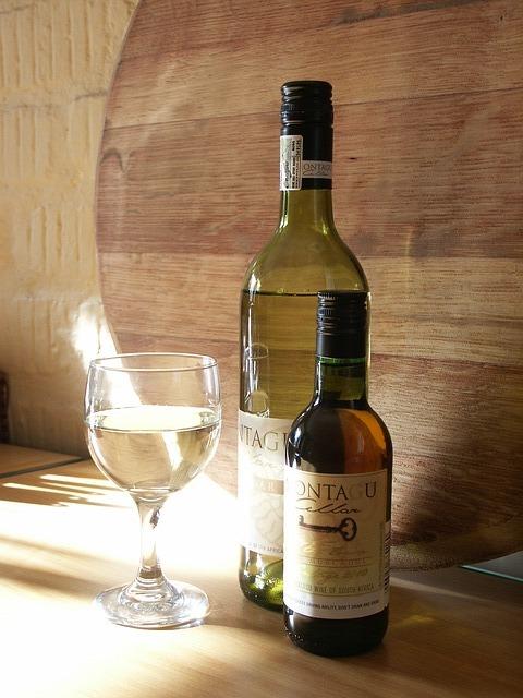 wine-436305_640