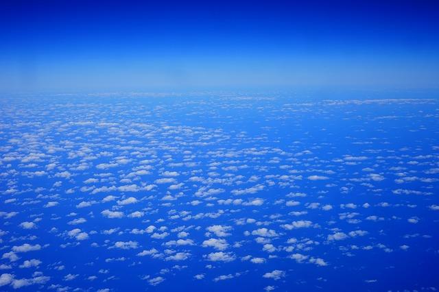 clouds-375423_640