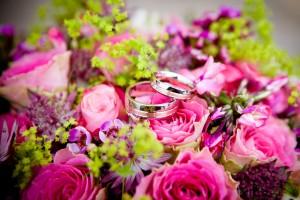 アイラブユーの結婚指輪で結婚運が上がる、理想の相手が見つかる待ち受け画像