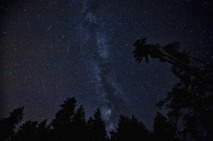 10月はオリオン座流星群とりゅう座(ジャコビニ)流星群流れ星に願いを!