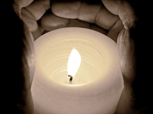 candle-968244_640