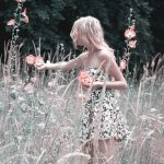 girl-collects-flowers-1725176_640