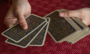 自分が呪われているか知る簡単なカード占い