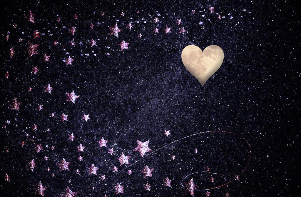 ハートの月で好きな人に会える、連絡が来る、恋愛運アップの待ち受け